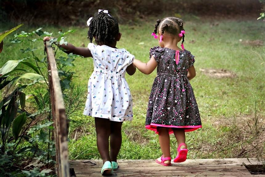 Children enjoying nature. Source: Pixabay