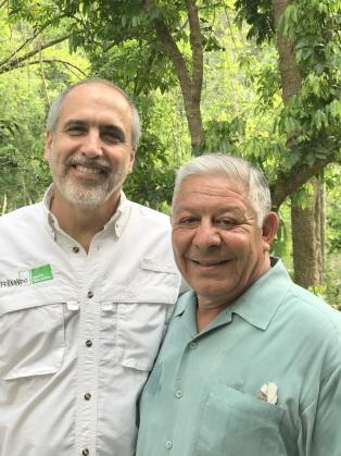 Fernando Lloveras (left) of Para La Naturaleza, with NRF trustee General Alfred Valenzuela